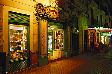 Bakery at night, Forn d¥es Teatre, Placa Weyler, Palma de Mallorca, Mallorca, Spain