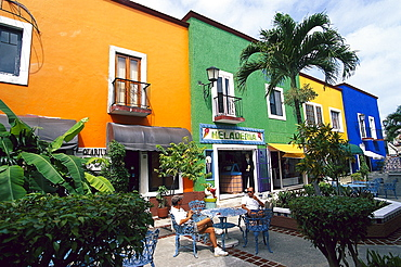 Two people in street cafe, Plaza Bonita in Cancun, Quintana Roo, Yucat·n, Mexico