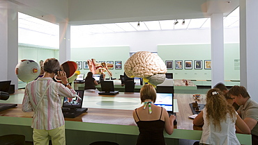 Das Deutsche Hygiene Museum, DHMD, Room 5 Remembering, Thinking Learning, Dresden, Saxony, Germany, Europe