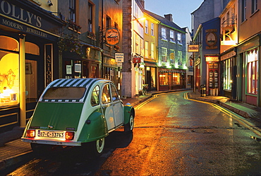 Car parking in a lane, Kinsale, County Cork, Irland