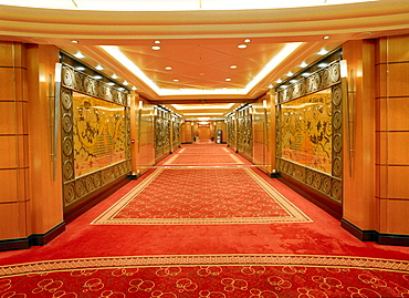 Planking corridors, grand lobby, Queen Mary 2