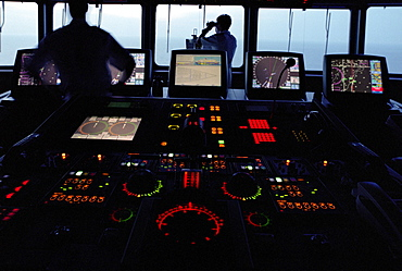 Screens and radars on command bridge, Queen Mary 2