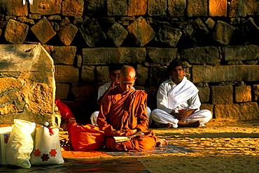 Monks at Maha Bodi temple, Anuradhapura, North Central Province, Sri Lanka, Asia
