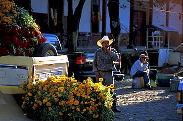 Flower Market, day of the dead, Dia de Los Muertos, Patzcuaro, Michoacan, Central America, Mexico