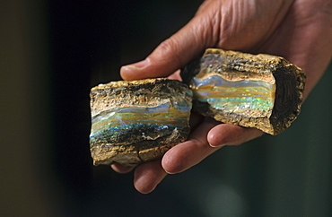 Opal stone close-up, Lightning Ridge, opal settlement, New South Wales, Australia
