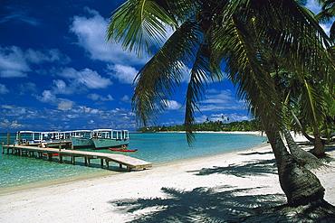 Tabjana Beach with woode jetty, Roatan, Honduras, Central America