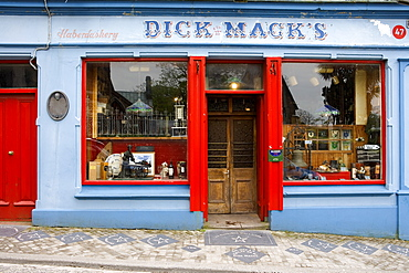 Pub Dick Mack`s in Dingle, Dingle peninsula, County Kerry, Ireland, Europe