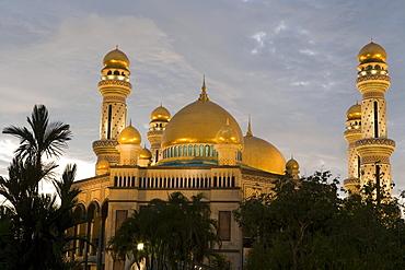 Brunei Mosque at Sunset, Jame'Asr Hassan Bolkia Mosque, Bandar Seri Begawan, Brunei Darussalam, Asia