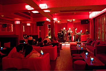 Park 97 bar, disco, club, bar, disco, dance, flirt, party szene, live band, lounge, red