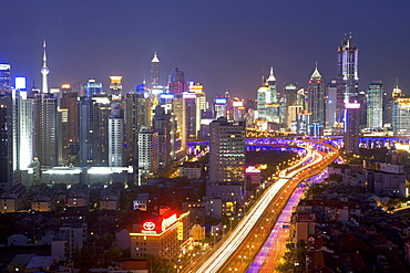 Gaojia motorway, nightshot, Gaojia, elevated highway system, Crossing of Chongqing Zhong Lu and Yan'an Dong Lu, Expressway, night skyline of central Shanghai, Huaihai and Pudong, Shanghai, China
