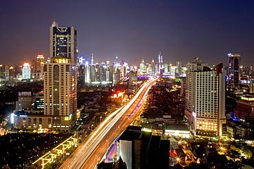 Gaojia motorway, night, Gaojia, elevated highway system, im Zentrum von Shanghai, Expressway
