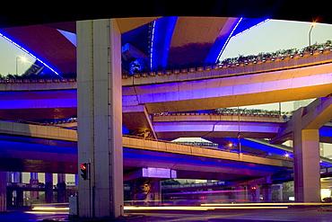 Gaojia motorway, Gaojia, elevated highway system, bridge, im Zentrum von Shanghai, Expressway, network, interchange, junction, puzzle of concrete tracks
