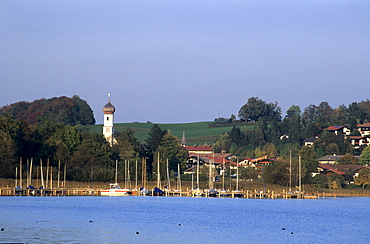 Gmund at lake Tegernsee with sailing boats, Bavarian Alps, Upper Bavaria, Bavaria, Germany