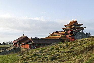 The Huazang monastery on the summit of Emei Shan mountains, Sichuan province, China, Asia