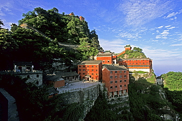 Tianzhu feng, monastery village, below the peak, Wudang Shan, Taoist mountain, Hubei province, Wudangshan, Mount Wudang, UNESCO world cultural heritage site, birthplace of Tai chi, China, Asia