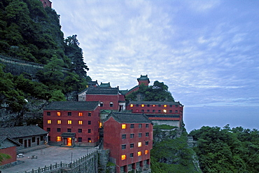 Tianzhu Feng tempel village near the summit of the Wudang Mountains, Wu Tang Shan, Taoist mountain, birthplace of Tai chi, Hubei province, UNESCO world cultural heritage site, China