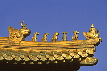 Animal roof guardians, mythological creatures guarding the Golden Hall, Jin Dian Gong, Golden Palace Temple, protected against lightning strikes by an iron cage, summit 1613 metres high, Mount Wudang, Wudang Shan, Taoist mountain, Hubei province, UNESCO world cultural heritage site, birthplace of Tai chi, China