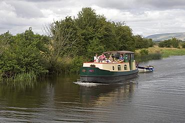Irish Family on Barge Houseboat, River Shannon, near Leitrim, County Leitrim, Ireland