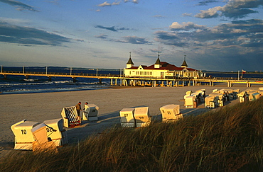 Beach with pier, Ahlbeck, Usedom Island, Mecklenburg-Western Pomerania, Germany, Europe