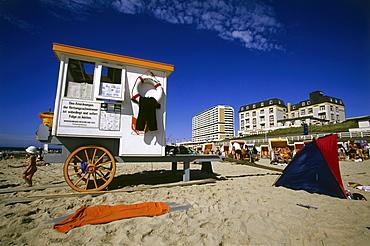 Cart on the beach, Westerland, Sylt Island, North Frisian Islands, Schleswig-Holstein, Germany, Europe