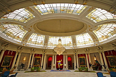 France, Nice, Promena s Anglais, Hotel Negresco interieur, luxery Salon