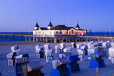 Usedom, Ahlbeck, beach chairs, art nouveau woon pier
