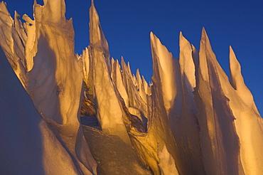 buesserschnee am plateau des Cerro Marmolejo 6085 m, chile