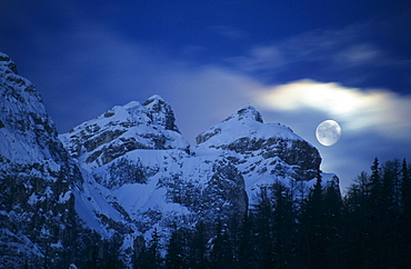 Moon above Peitlerkofel, Dolomites, South Tyrol, Alta Badia, Italy