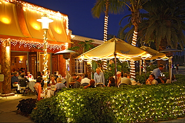Dining in Restaurant Pazzo on 5th Avenue, Naples, Florida, USA