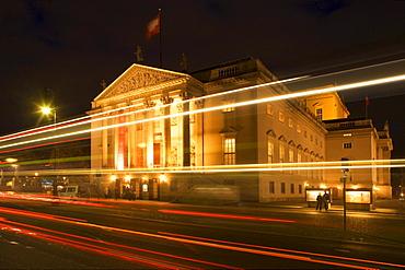 Berlin, Unter den Linden, Opernhaus bei Nacht