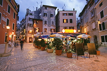 Street restaurant inthe evening, Trg Matteottia, Rovinj, Istria, Croatia