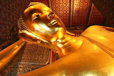 Lying Buddha at Pranon Wat Pho, The Temple of the Reclining Buddha, Bangkok, Thailand, Asia