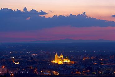 View of the town with cathedral, Catedral Santa MarÃŒa La Regla at sunset, Leon, Castilla Leon, Spain