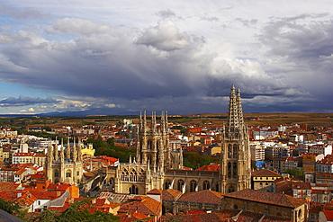 View of the town with Cathedral Santa MarÃŒa, Burgos, Castilla Leon, Spain