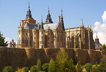 The Episcopal Palace of Astorga, Palacio Episcopal with architecture from architect Antoni Gaudi, Astorga, Castilla Leon, Spain