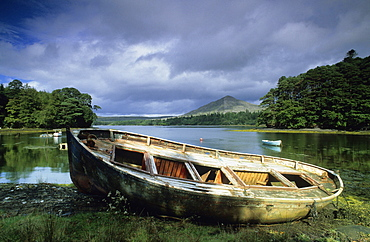 Europe, Great Britain, Ireland, Co. Kerry, small boat at the Ring of Beara
