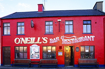 Europe, Great Britain, Ireland, Co. Cork, Ring of Beara, Pub O'Neill's in Allihies