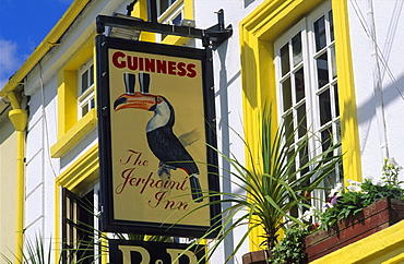View at the sign of the Pub The Jerpoint Inn at Thomastown, County Kilkenny, Ireland, Europe