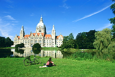 Town Hall with Maschsee Lake, Hannover, Lower Saxony, Germany