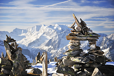 Cairns at Peterskoepfl with view to Zillertal range, Zillertal range, Zillertal, Tyrol, Austria