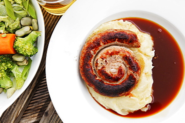 Pork sausage with mashed potatoes and vegetables, Stanton, Gloucestershire, Cotswolds, England, Great Britain, Europe