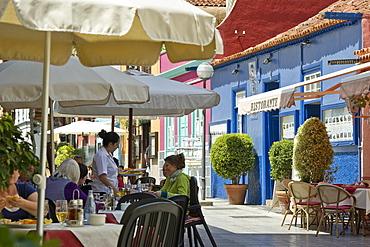 People at restaurants, Puerto de la Cruz, Tenerife, Canary Islands, Spain, Europe