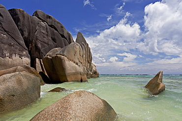 Granite rocks on the beach of Anse Source d'Argent, La Digue, Seychelles, Indian Ocean