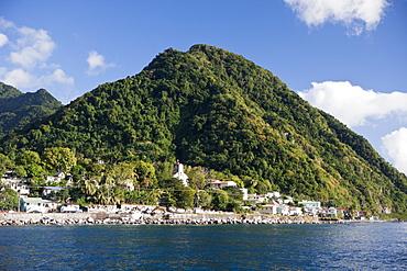 Coast close to Roseau, Caribbean Sea, Dominica, Leeward Antilles, Lesser Antilles, Antilles, Carribean, West Indies, Central America, North America