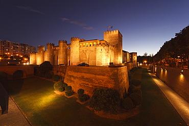 Aljaferia Palace and Torre de Trovador in the evening, Zaragoza, Saragossa, province of Zaragoza, Aragon, Northern Spain, Spain, Europe