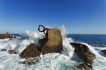 Sculptures of Eduardo Chillida on the waterfront, Peine del viento, Paseo del Peine del Viento, San Sebastian, Donostia, Camino de la Costa, Camino del Norte, coastal route, Way of St. James, Camino de Santiago, pilgrims way, province of Guipuzcoa, Basque Country, Euskadi, Northern Spain, Spain, Europe
