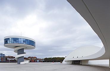 Centro Niemeyer, Centro Cultural Internacional Oscar Niemeyer, Oscar Niemeyer International Cultural Centre, Architekt Oskar Niemeyer, Aviles, province of Asturias, Principality of Asturias, Northern Spain, Spain, Europe