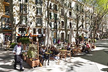 Strassencafe, Passeig des Born, shopping street, Palma de Mallorca, Mallorca, Spain
