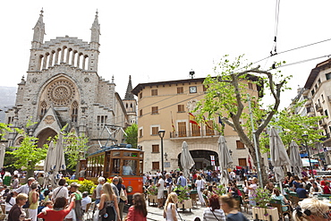Saturday market, church Sant Bartomeu, town hall, historical tram between Soller and Palma, Tramuntana, Soller, Mallorca, Spain