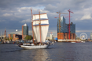 Sailing ship in front of Hafen City and Elbphilharmonie, Hamburg, Germany, Europe